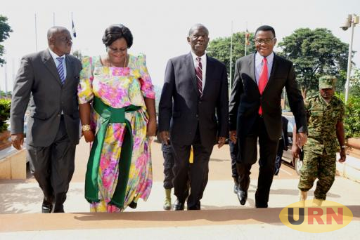 Buganda Kingdom Premier Charles Peter Mayiga with Vice President Kiwanuka Ssekandi and other Kingdom officials.