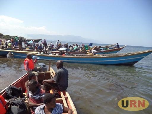 Some of the Congolese refugees arriving at Sebigoro landing site in Kikuube district last year